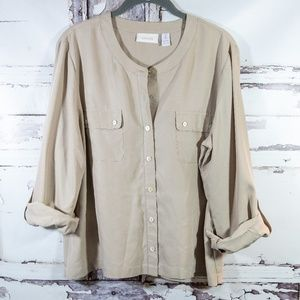 Chico's Sz 2 (Med) Light Weight Button Blouse